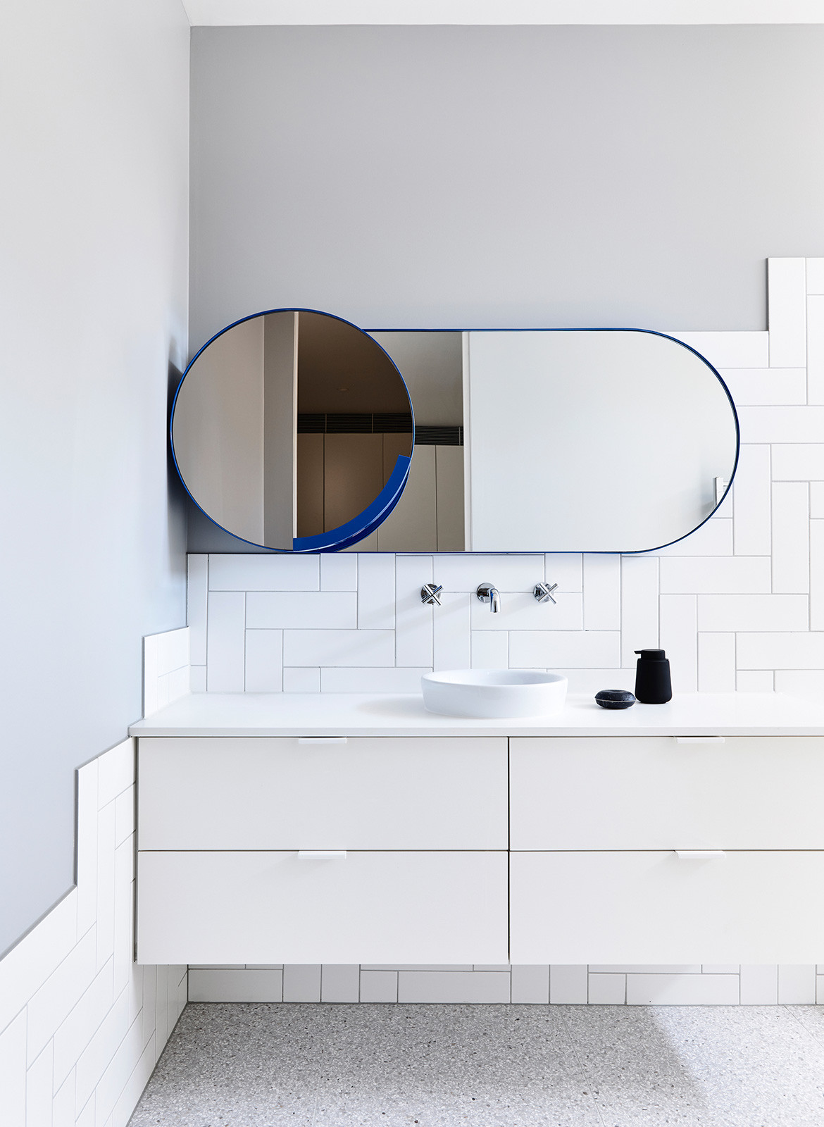 Doherty Design Studio Kew Residences CC Derek Swalwell white bathroom statement mirror