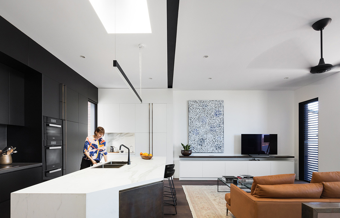 Doorzien House Bijl Architecture cc Katherine Lu kitchen living