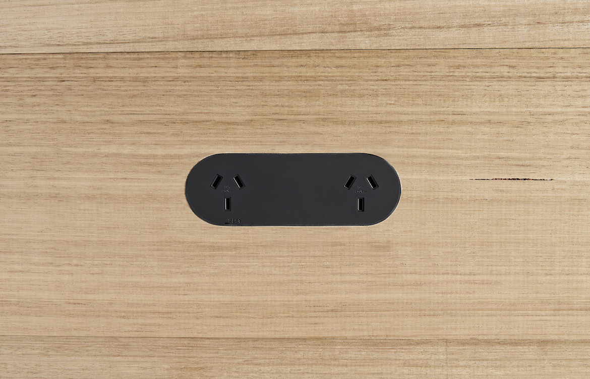 Double Outlet 5
