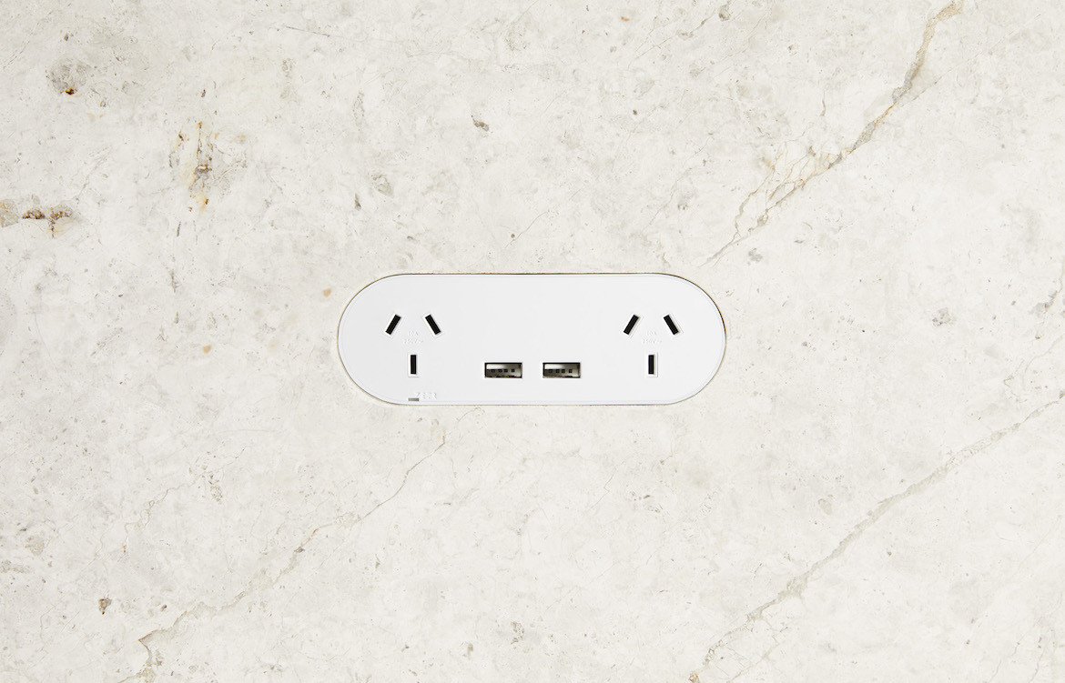 Double Outlet USB White 1
