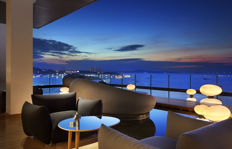 Drift Lounge Hilton Pattaya Habitusliving.com