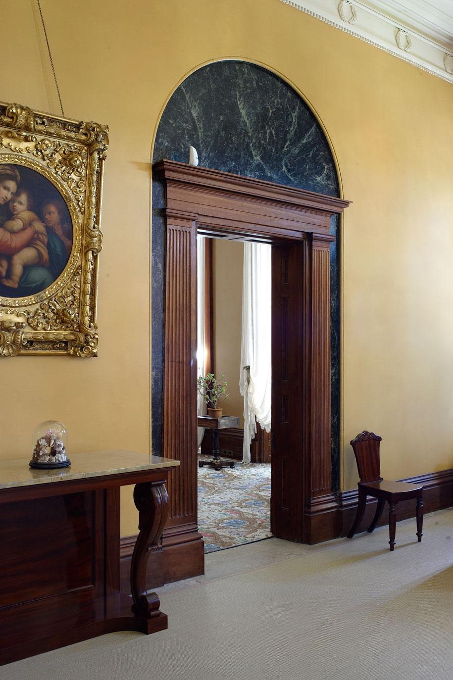 EBH13_0021-Nicholas-Watt-entrance-hall