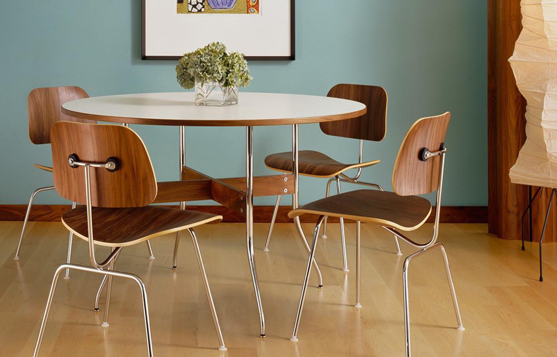 Eames Moulded 1