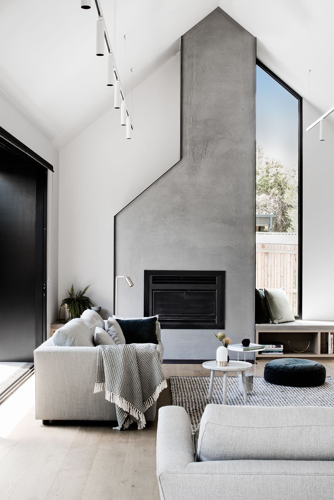 Eastwell House Techne cc Tom Blachford living room