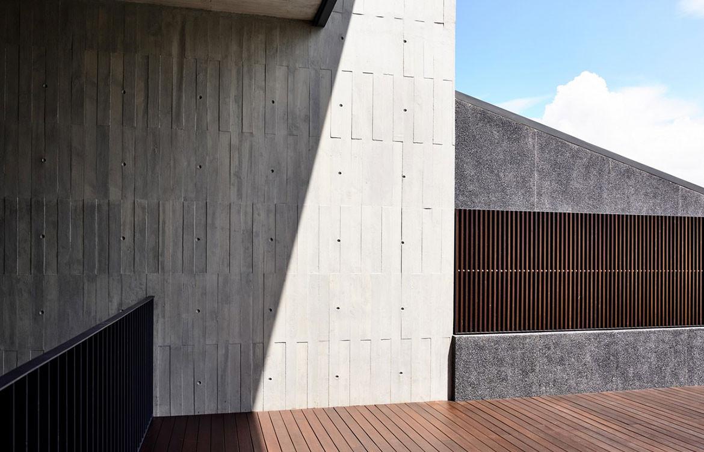 Faber Drive House HYLA Architects cc Derek Swalwell verandah