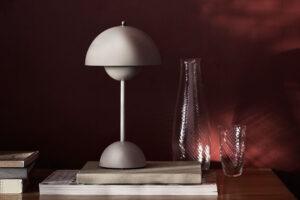 Flowerpot VP9 Portable Table Lamp &Tradition