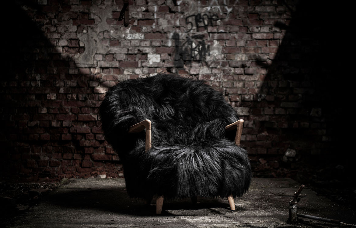 Fluffy Lounge Chair Black