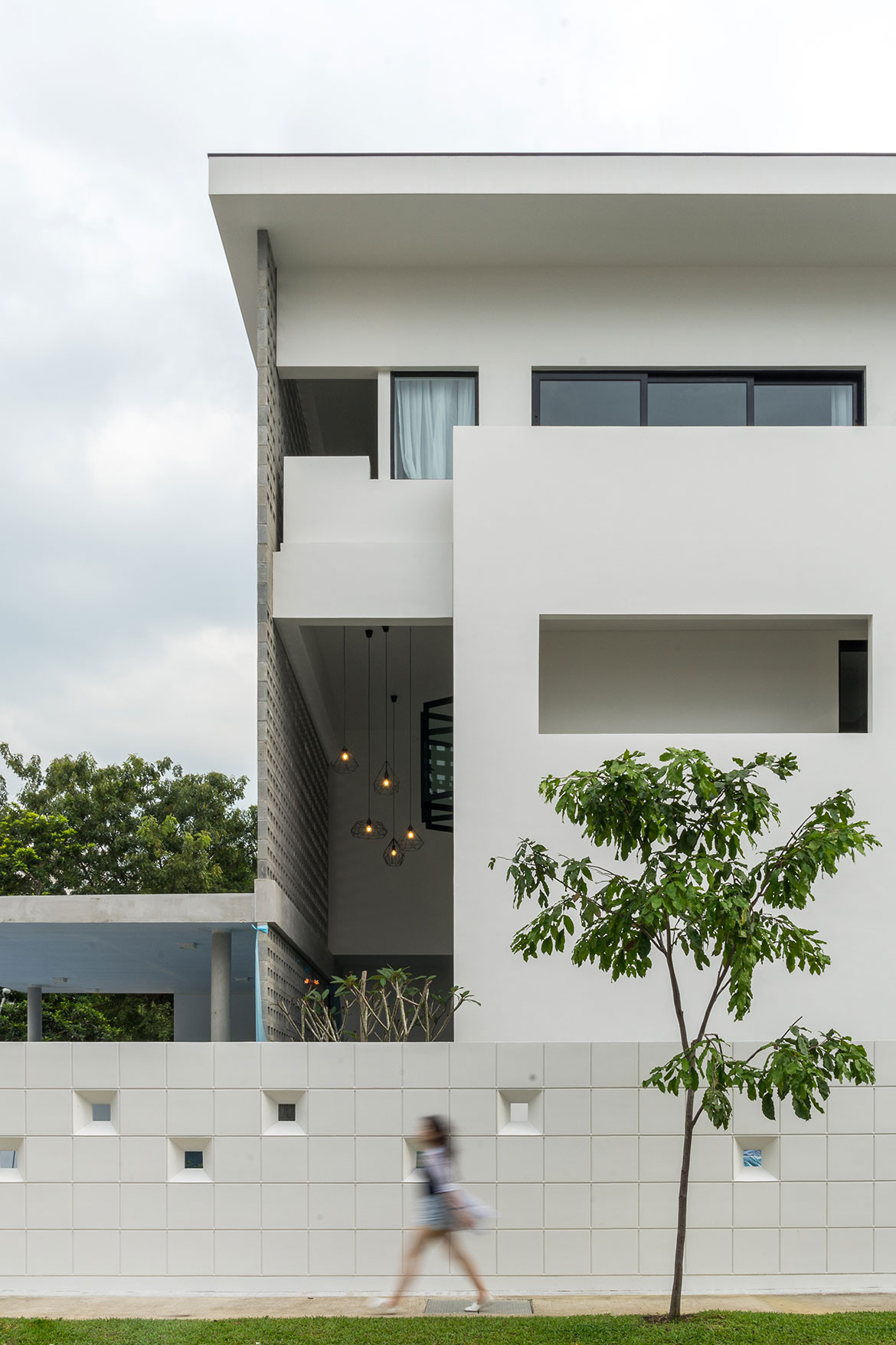 Frame House Red Bean Architects windows