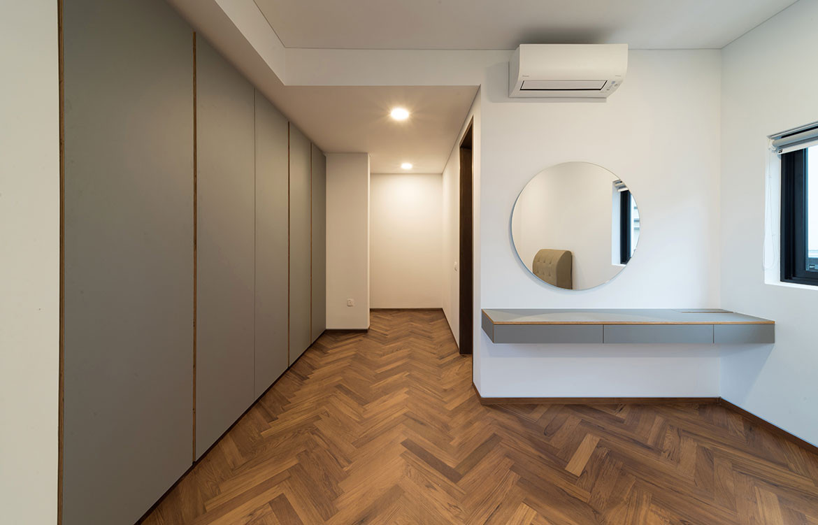 Frame House Red Bean Architects wood parquetry