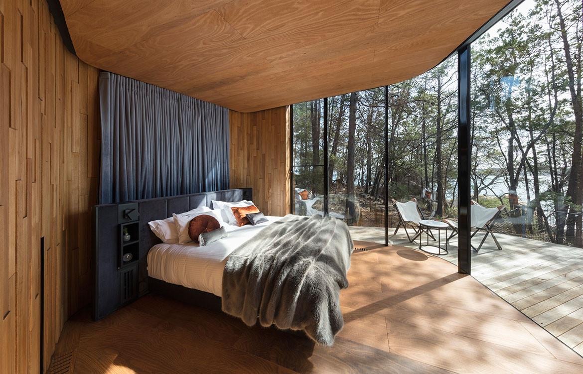 Freycinet Lodge Tasmanian Timber cc Diana Snape bedroom