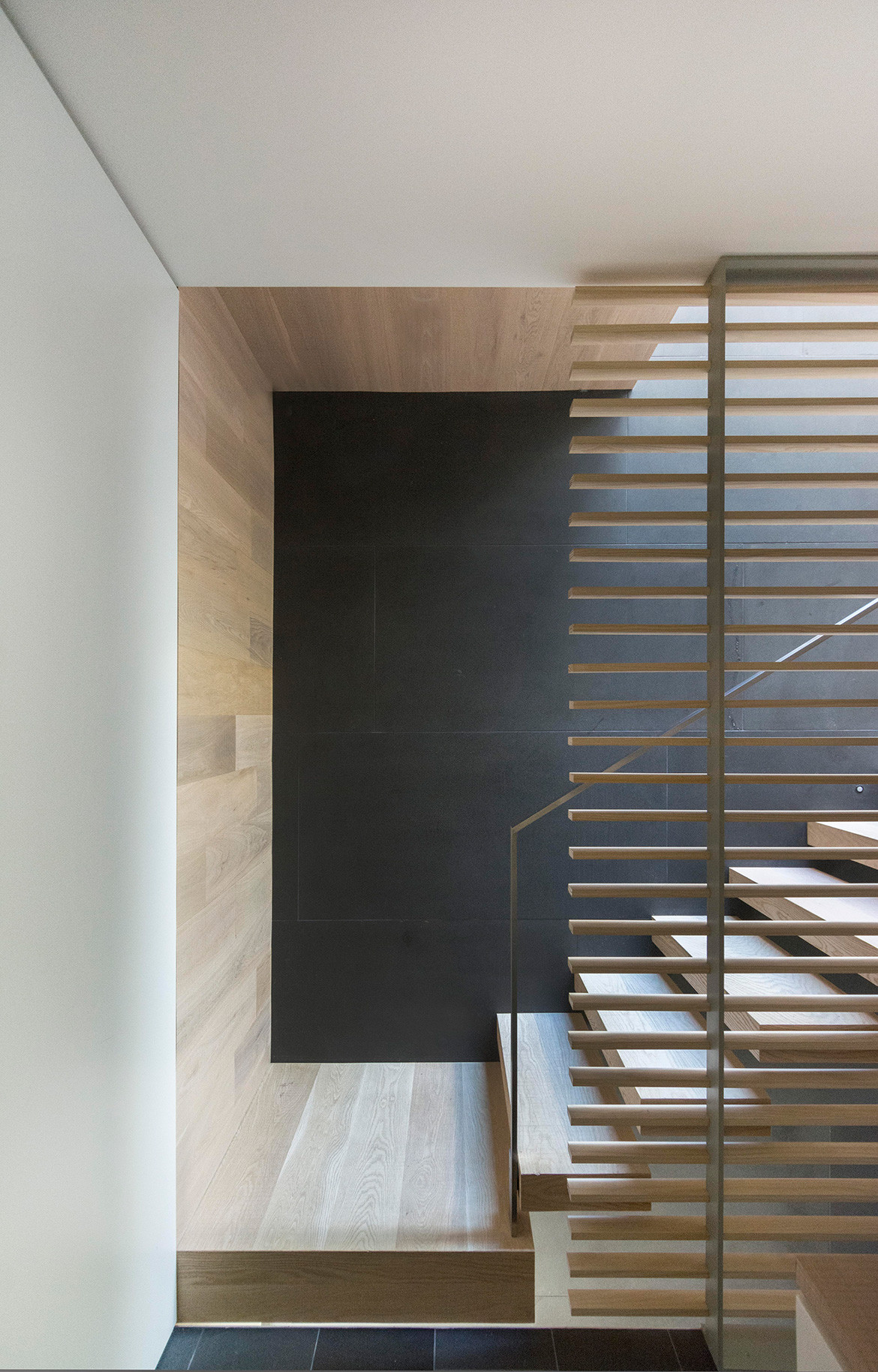 GDay House Mcleod Bovell Modern Houses cc Ema Peter staircase screen