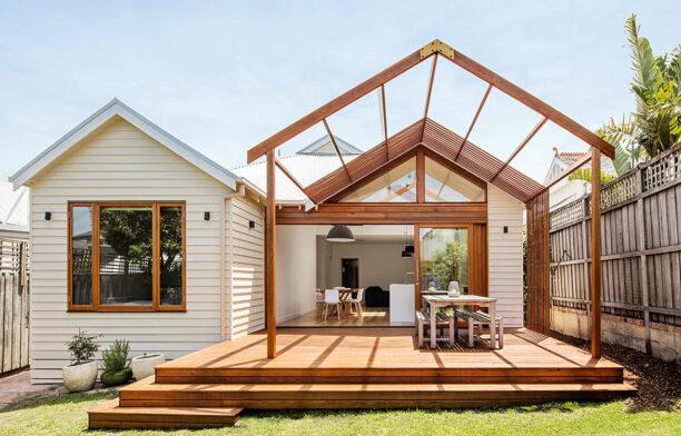Gable House Sheri Haby Architects CC Lisbeth Grosmann exterior decking