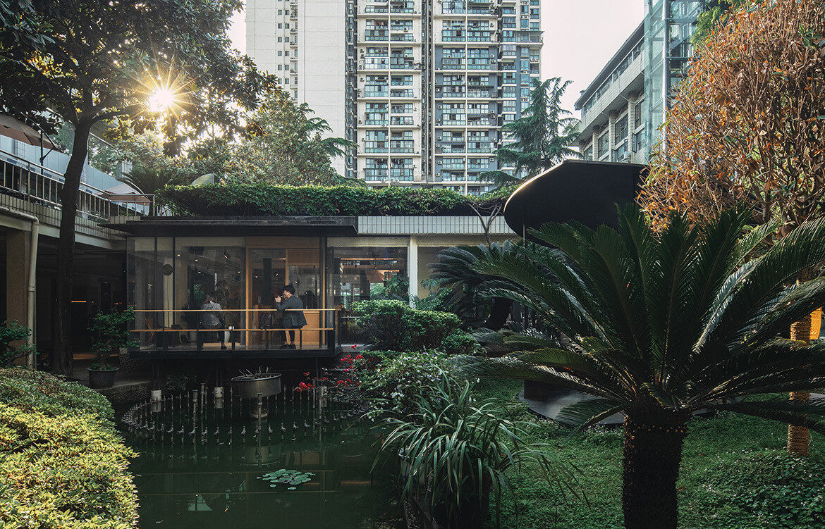 Garden Island Courtyard, Chengdu Garden Hotel by epos architecture blends the traditional Chinese garden with modern working spaces.
