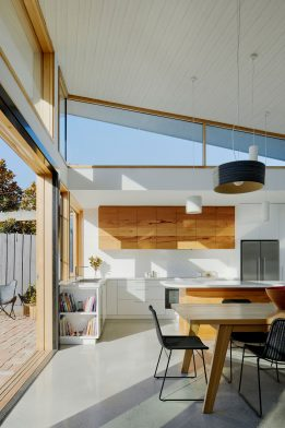 Glide House Ben Callery Architects cc Tatjana Plitt kitchen dining