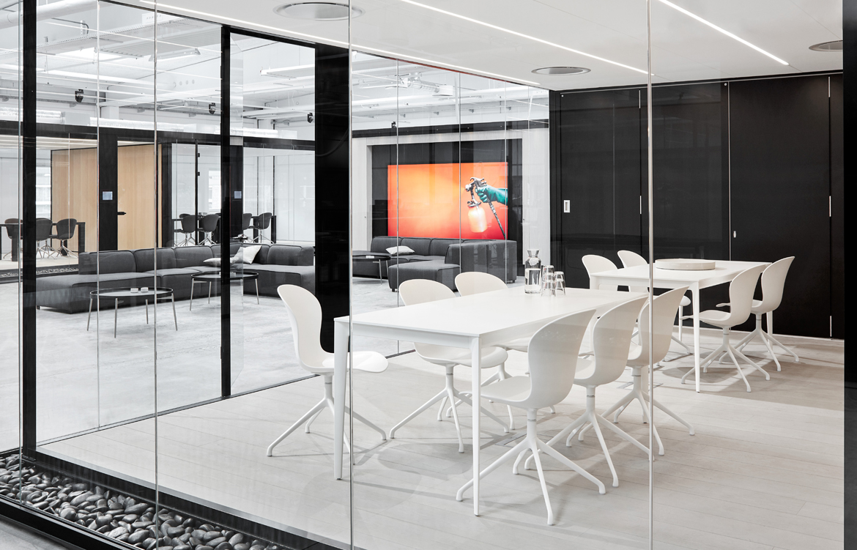 torino table. Black Bedroom Furniture Sets. Home Design Ideas