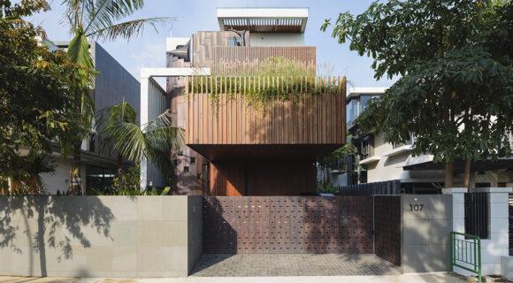 HYLA Architects Sculpts A House Into An Artwork