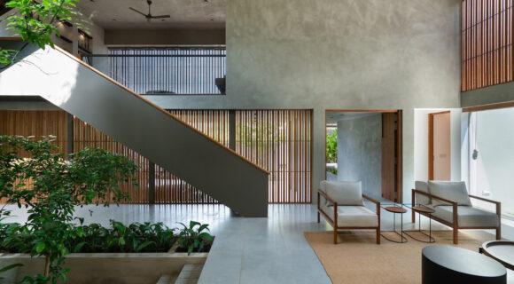 Tropical Modernism and Passive Design Combine in Casa de Silva
