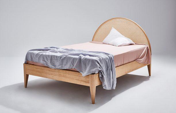 Bed, Heimur