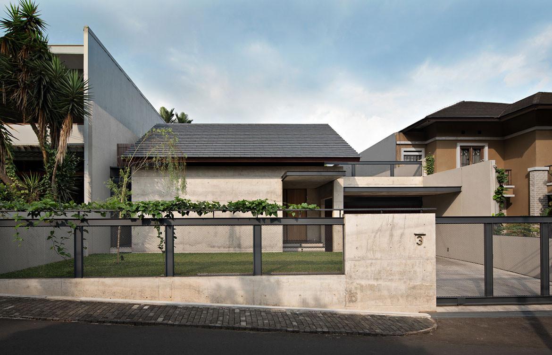 Hikari House Pranala Architects cc Mario Wibowo streetscape