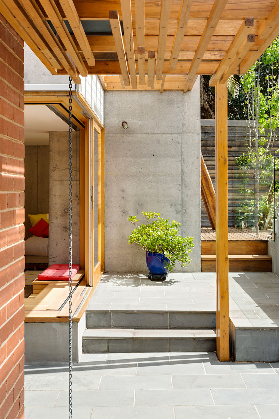 Home Office Ande Bunbury rainchain
