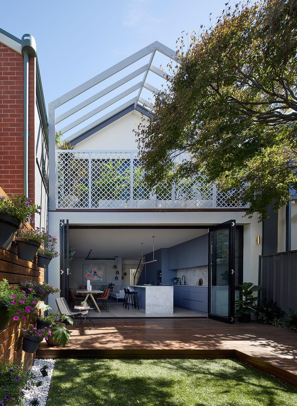 House 184 Blank Canvas Architects CC Tatjana Plitt Backyard