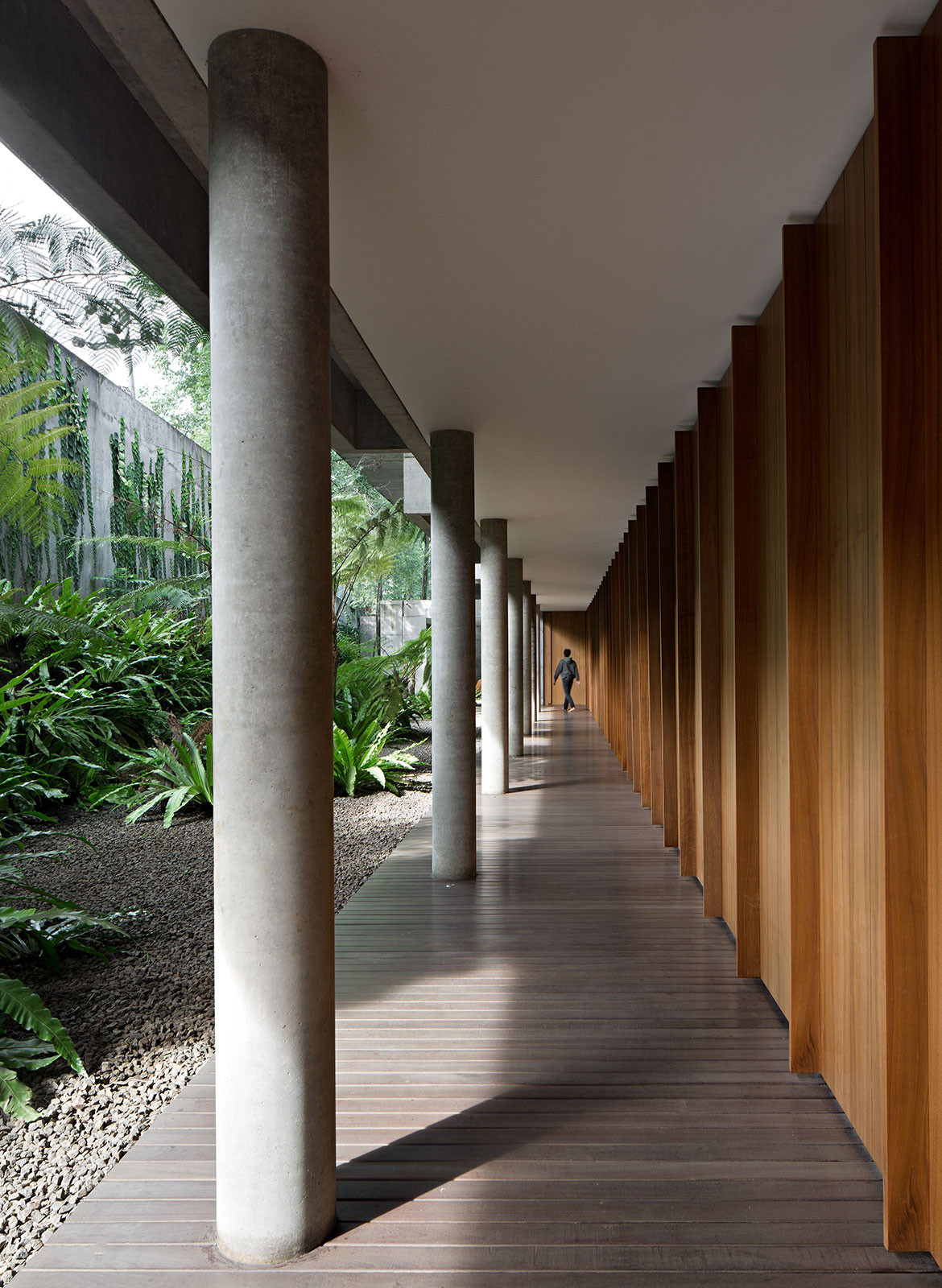 IH Residence Andra Matin CC Mario Wibowo exterior corridor
