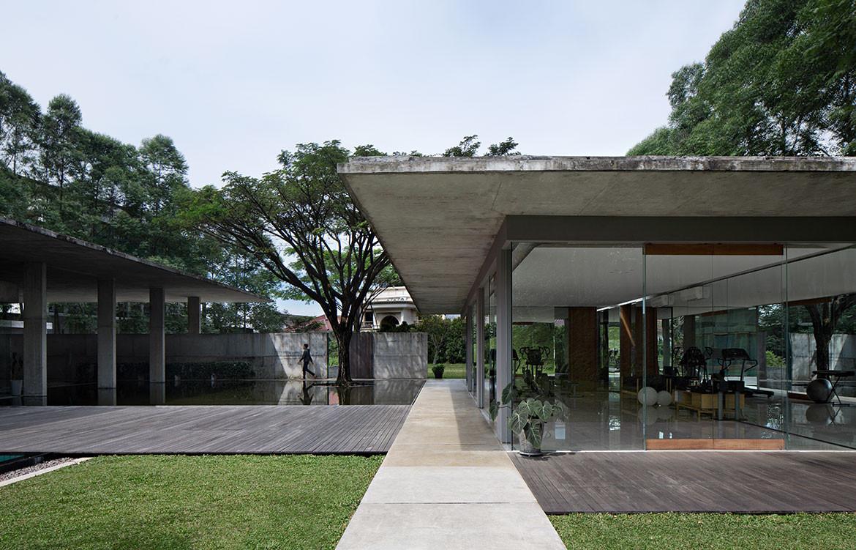 IH Residence Andra Matin CC Mario Wibowo walkway