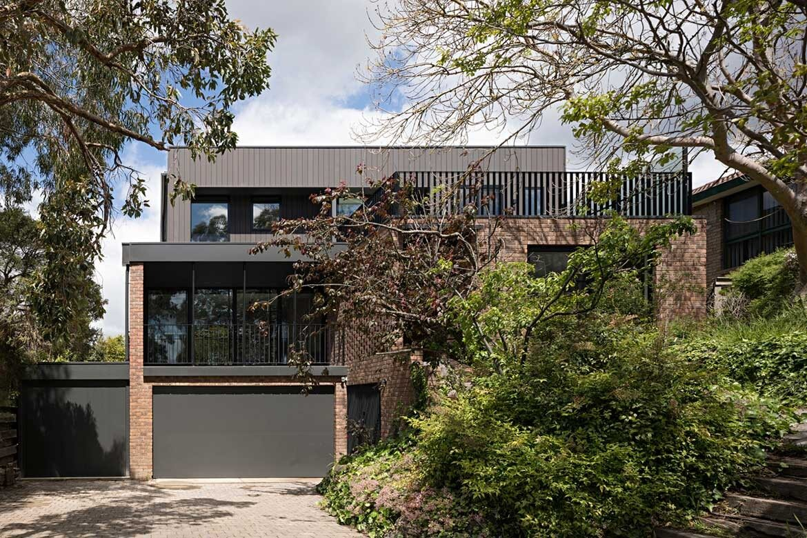 A modern home that honours its 1970s foundations habitus for Modern house history