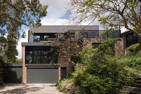 Inbetween Architects Ruffey Lake House exterior