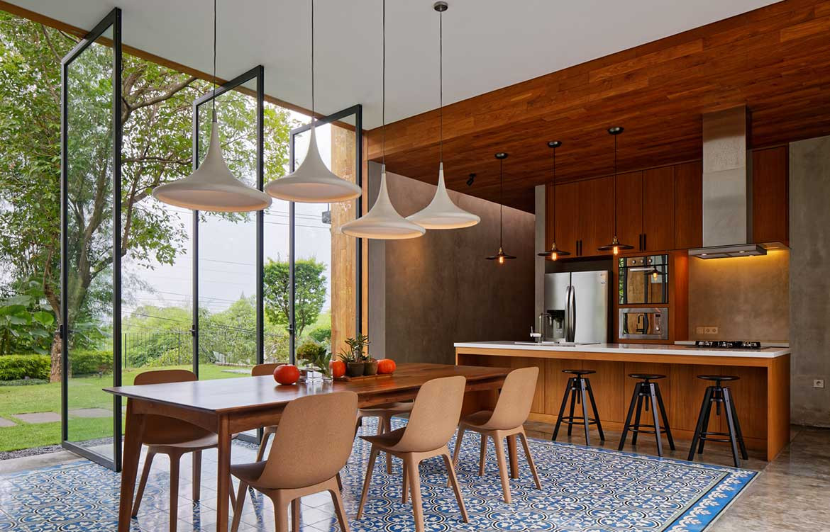 Inside Out House Tamara Wibowo Architects cc Fernando Gomulya dining room