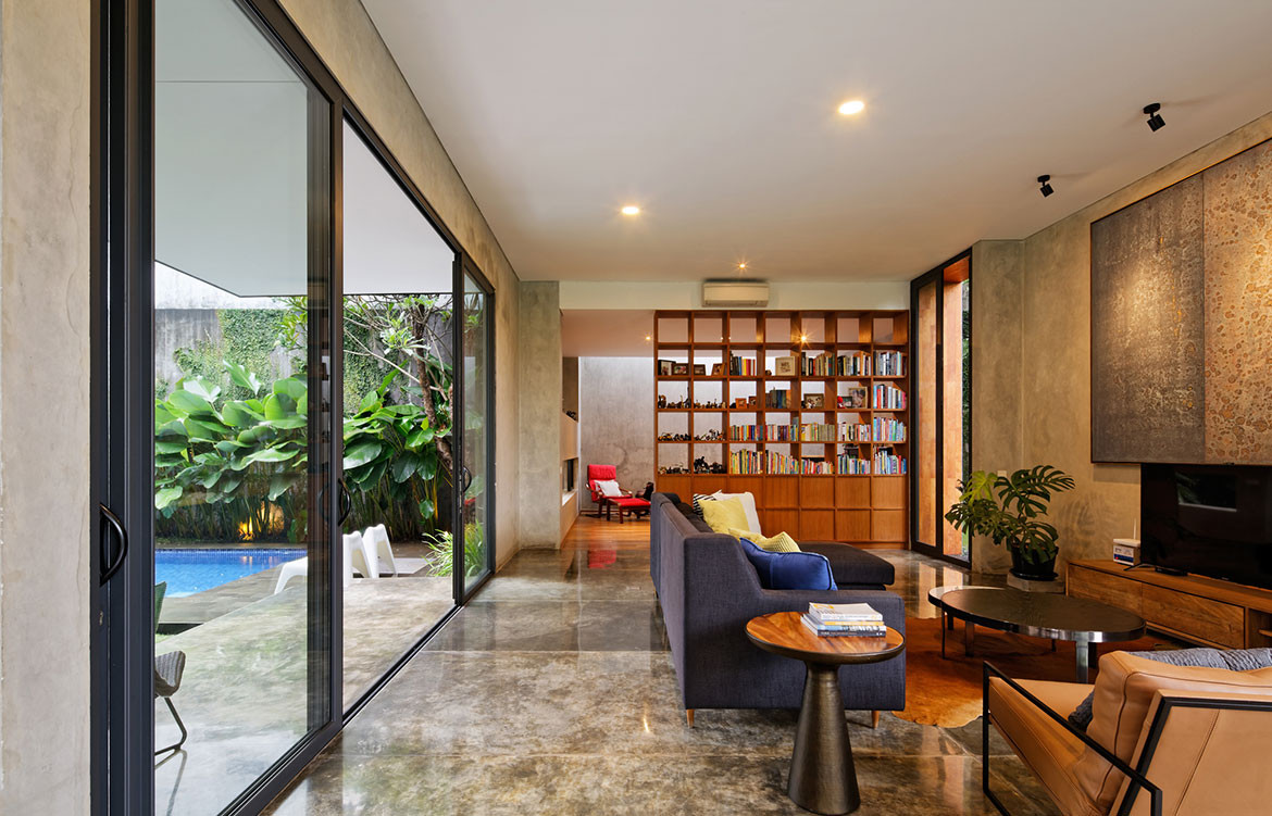 Inside Out House Tamara Wibowo Architects cc Fernando Gomulya library