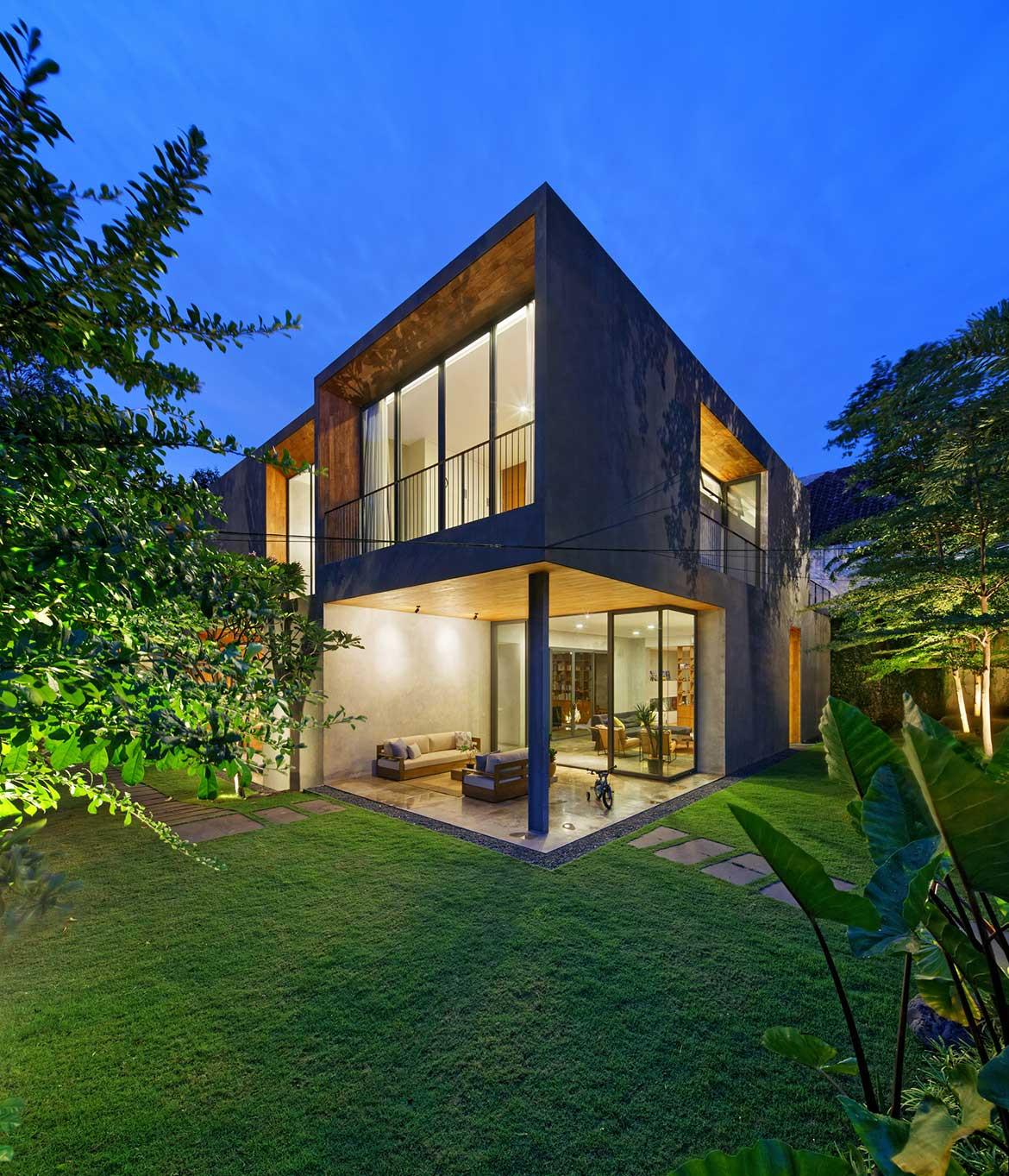 Inside Out House Tamara Wibowo Architects cc Fernando Gomulya outdoor eating