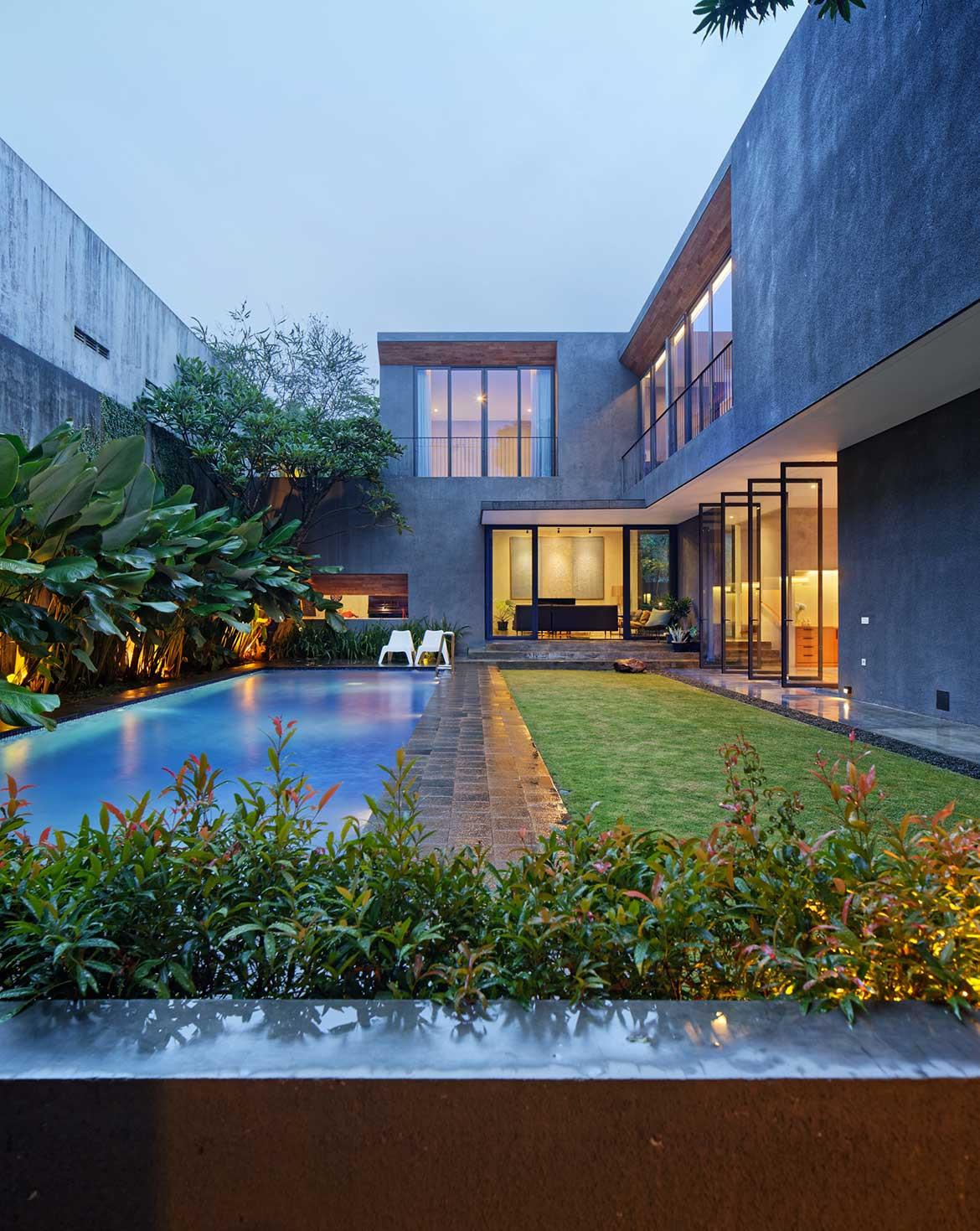 Inside Out House Tamara Wibowo Architects cc Fernando Gomulya pool