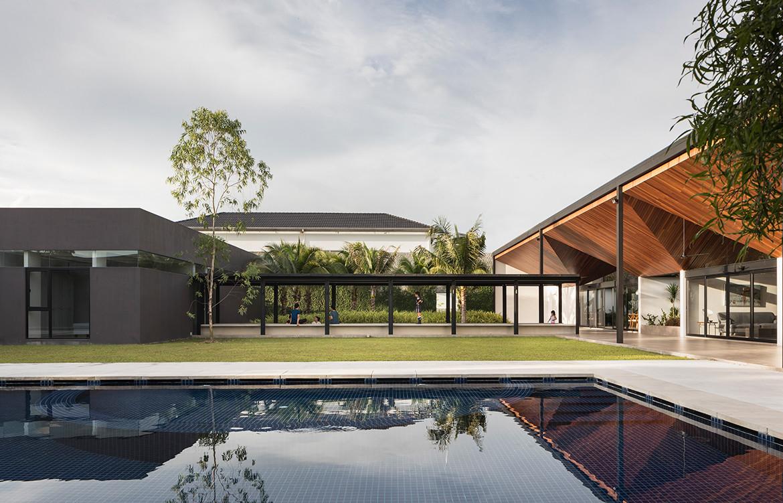Cloister House Formwerkz CC Fabian Ong pool