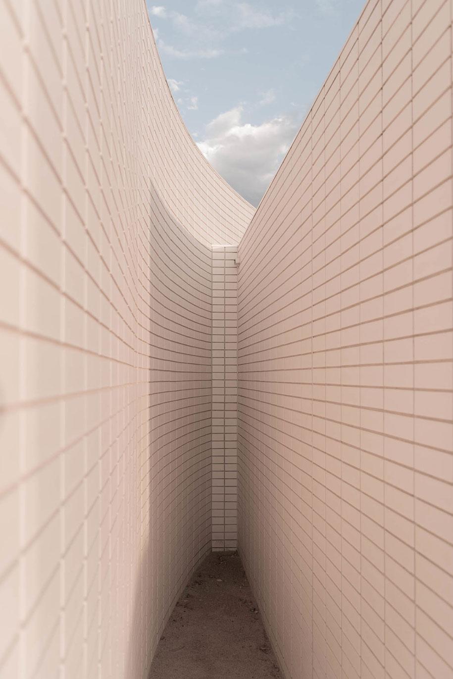 KAVELLARIS URBAN DESIGN Ivanhoe House shape
