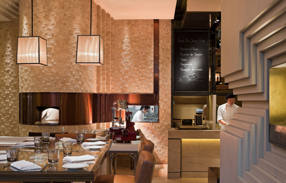 Jojo-St-Regis-17-dining-area-with-pizza-oven
