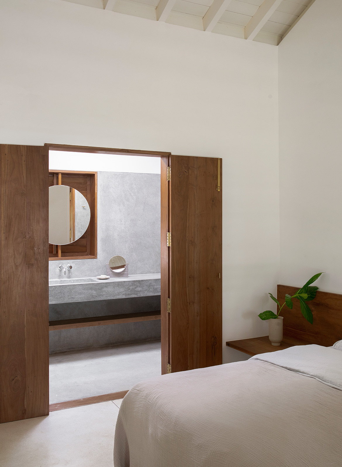 K House Norm Architects Aim Architecture doors to bathroom