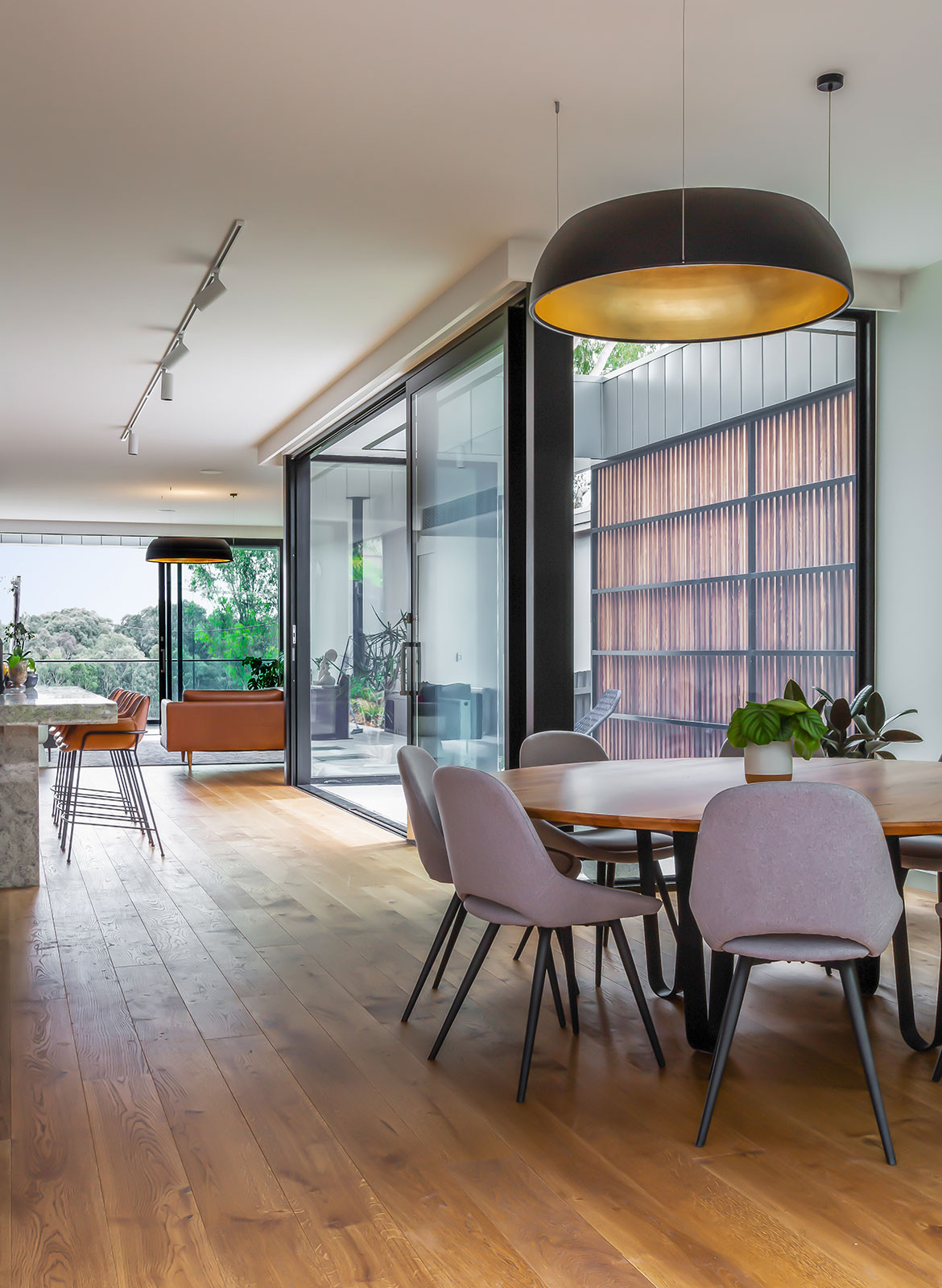 Kew East House Jost Architects CC Shani Hodson-Zoso open plan dining