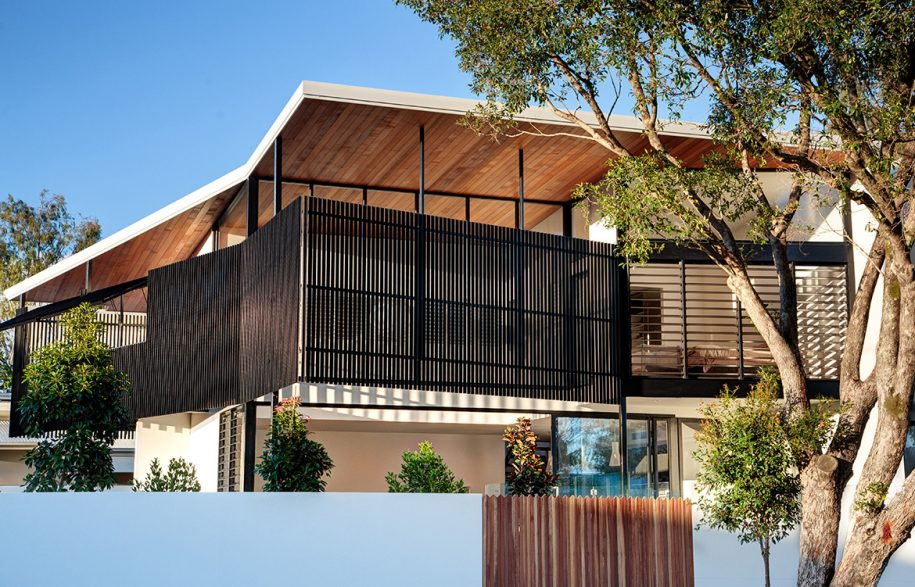 Lake-Weyba-Robinson-Architects-Noosa-