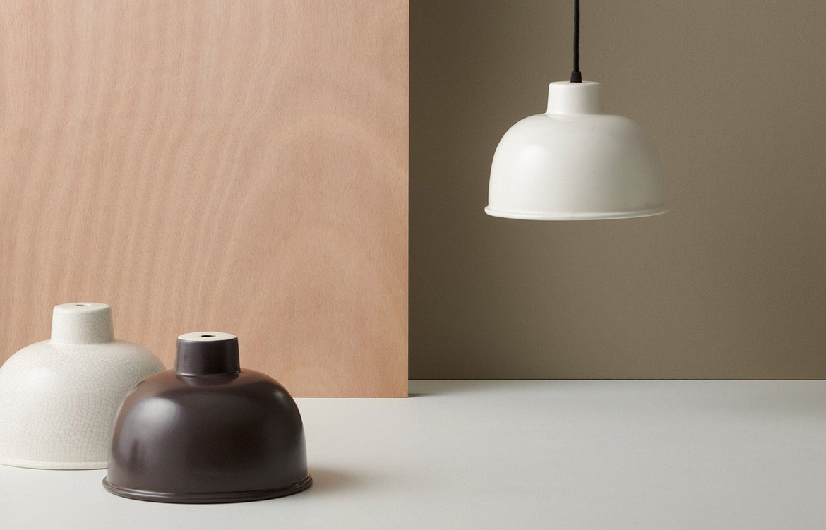 Gidon Bing ceramic lighting and sculptural tableware – particularly the Bone Crackle Finish