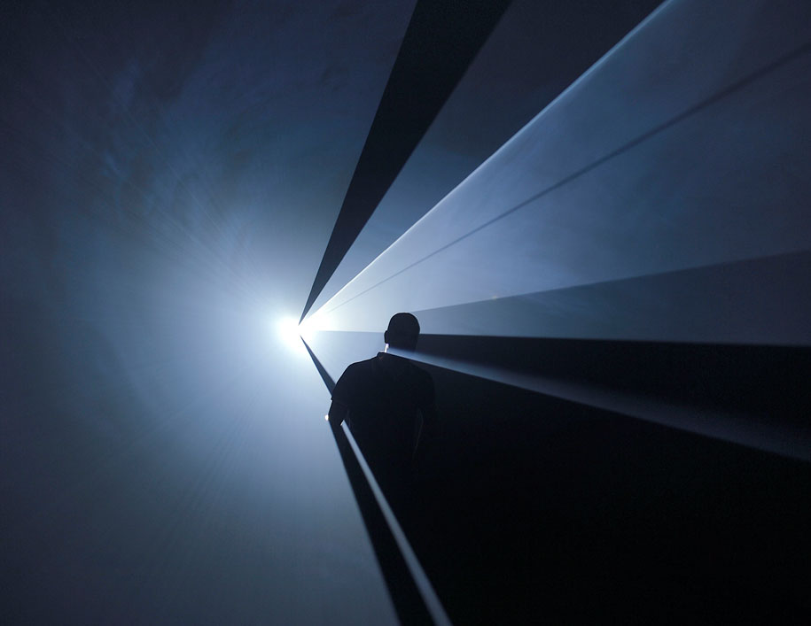 MCA---Light-Show---Anthony-McCall