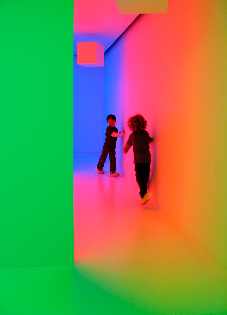 MCA---Light-Show---Carlos-Cruz-Diez-(3)
