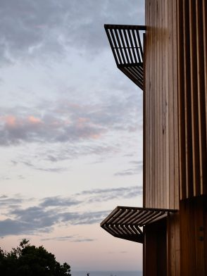 St Andrews Beach House (Melbourne) by Austin Maynard Architects cc Derek Swalwell | Habitus House of the Year 2019