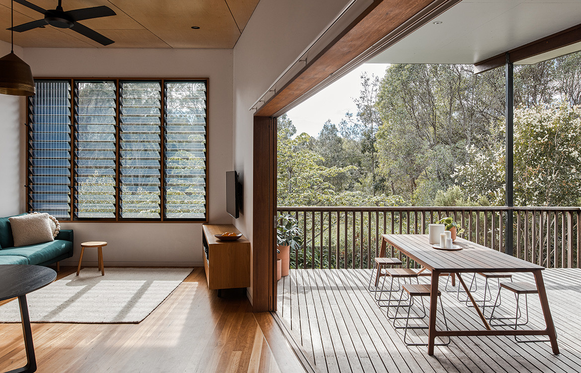 Martin Johnston furniture maker and designer lives in a contemporary Australian coastal house designed by Justin Twohill of Büro Two Architecture in Byron Bay.
