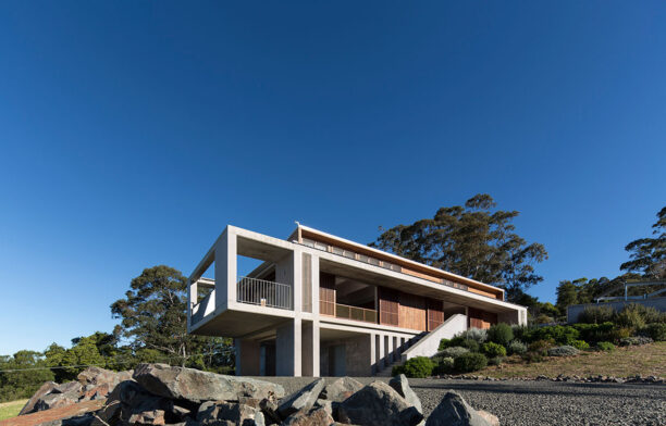 Mountainside House Hill Thalis cc Brett Boardman exterior