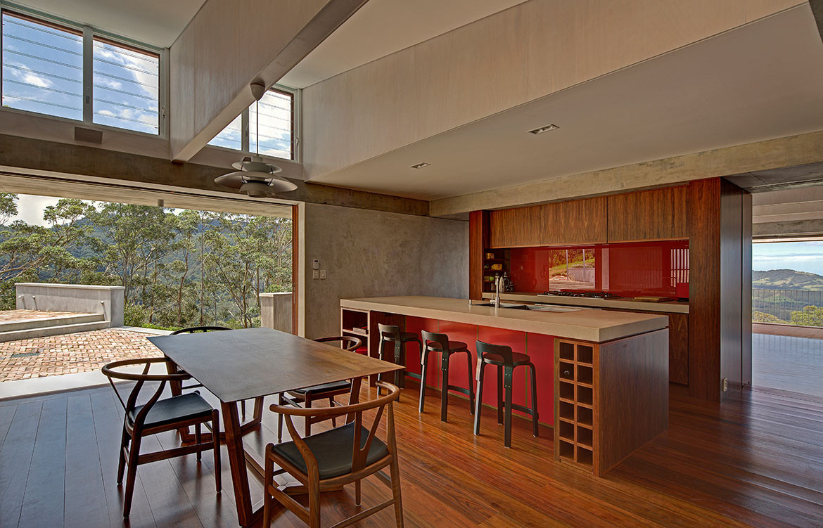 Mountainside House Hill Thalis cc Brett Boardman open dining and kitchen