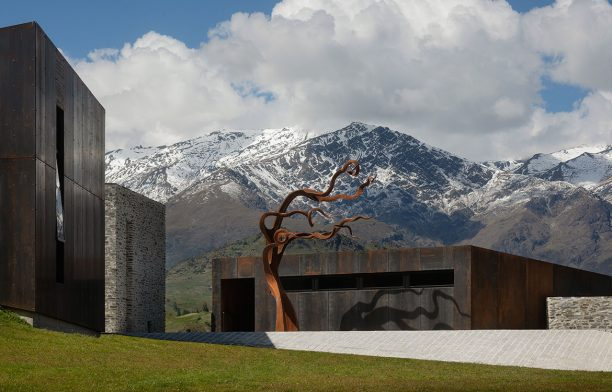 Arrowtown House (New Zealand) by RTA Studio cc Patrick Reynolds | Habitus Living House of the Year 2019