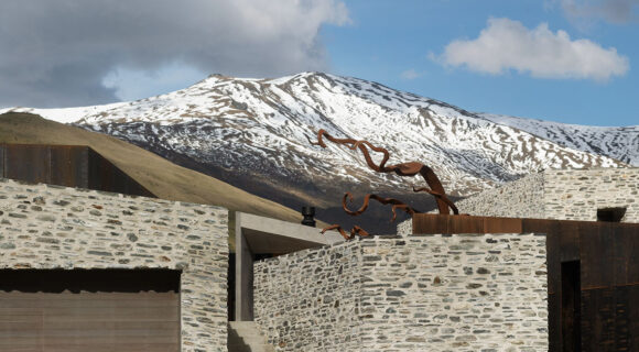 Arrowtown House (New Zealand) by RTA Studio cc Patrick Reynolds   Habitus House of the Year 2019