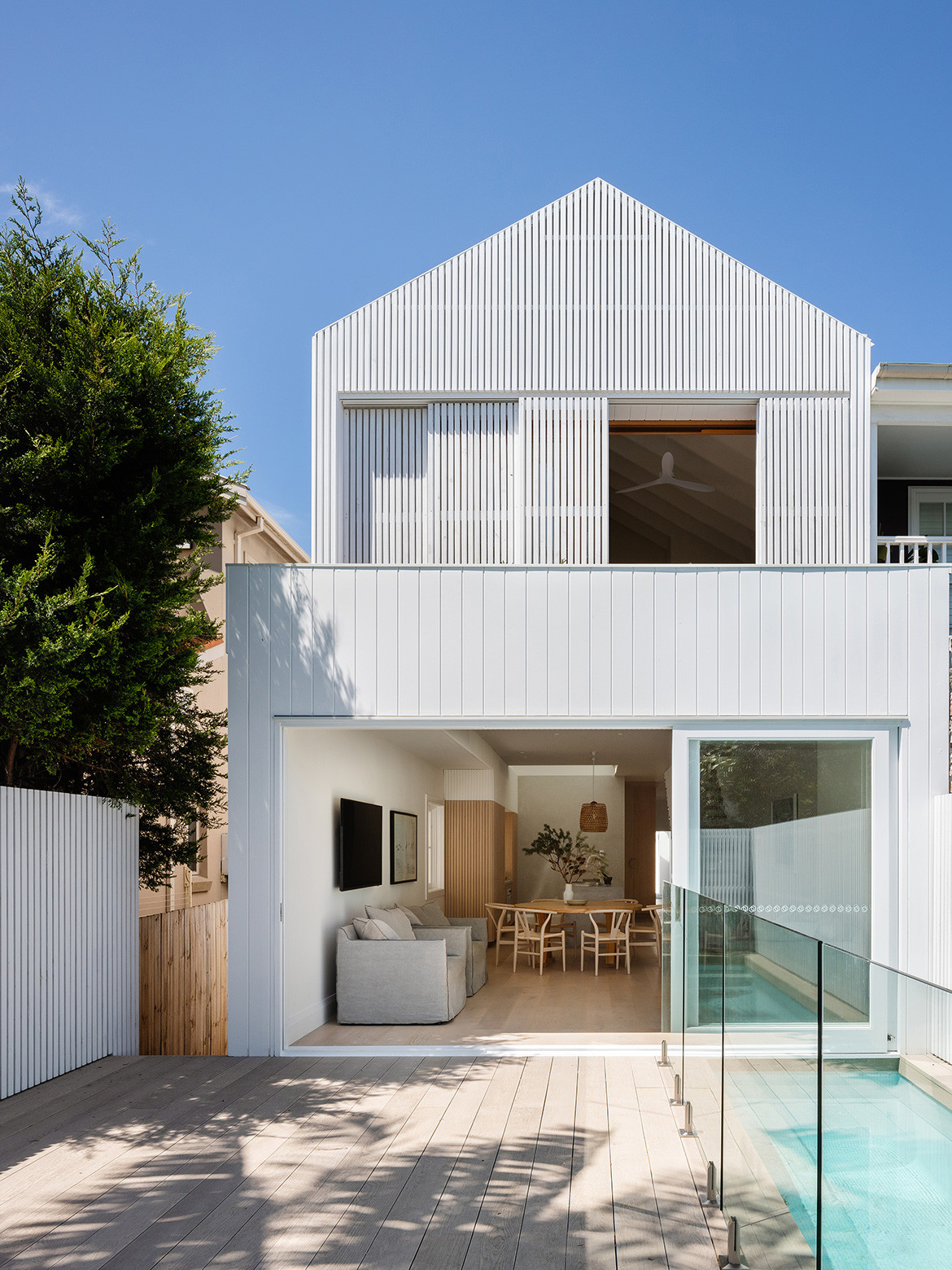 A bungalow in Bondi renovated by James Garvan Architecture into a modern minimalist beach house