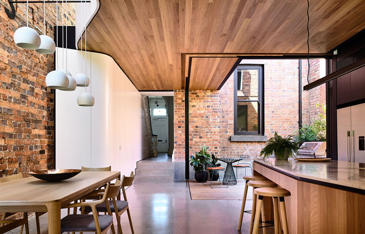 North Melbourne Terrace Matt Gibson Architecture + Design cc Derek Swalwell open plan dining